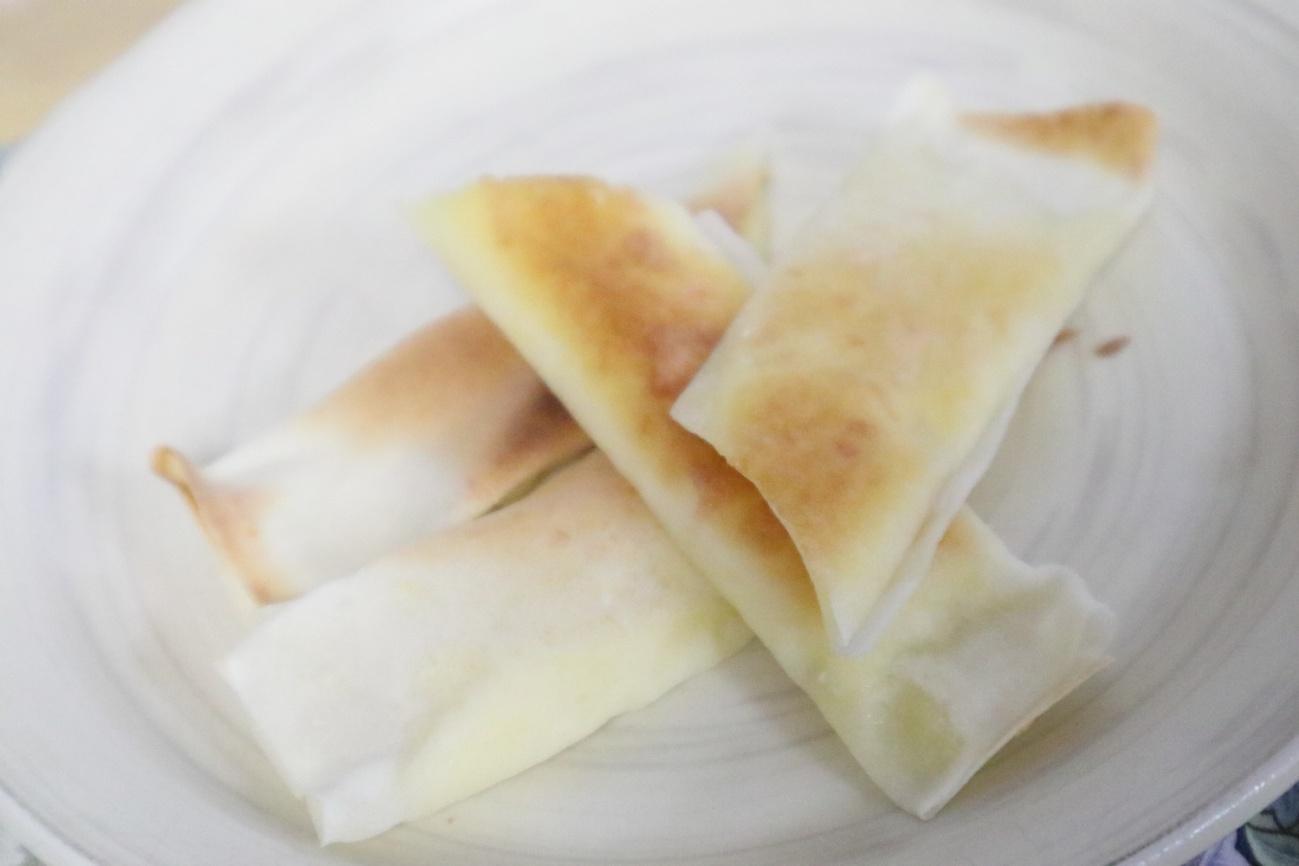 チーズ入り焼き春巻き
