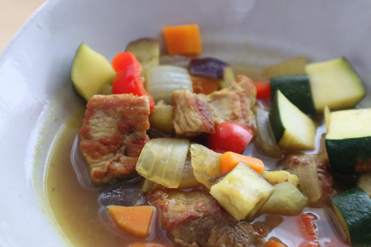 豚ヒレと夏野菜のカレースープ