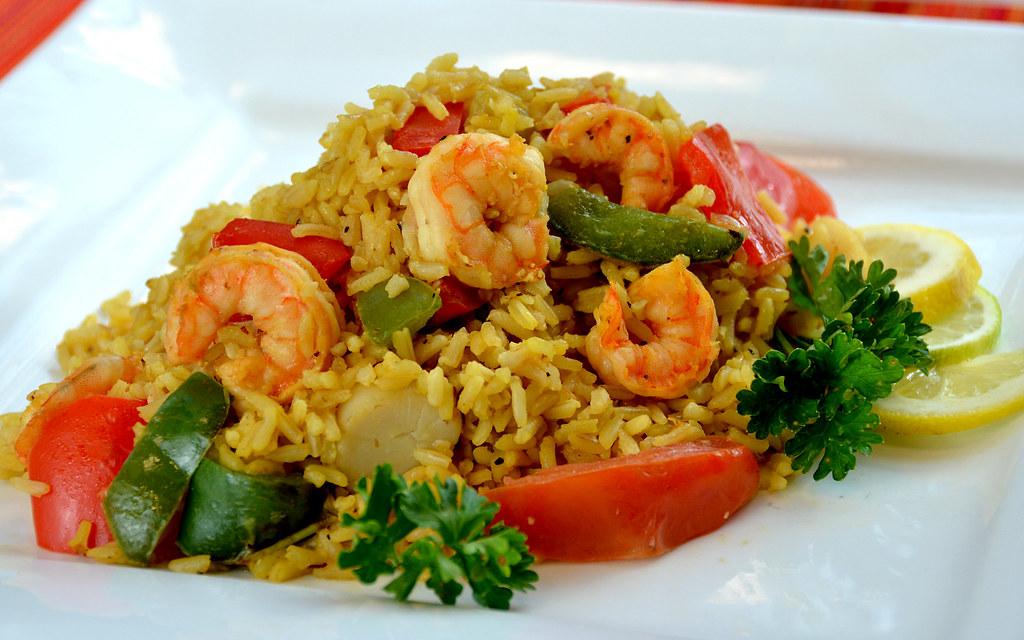 魚介とトマトのカレー風味玄米ごはん