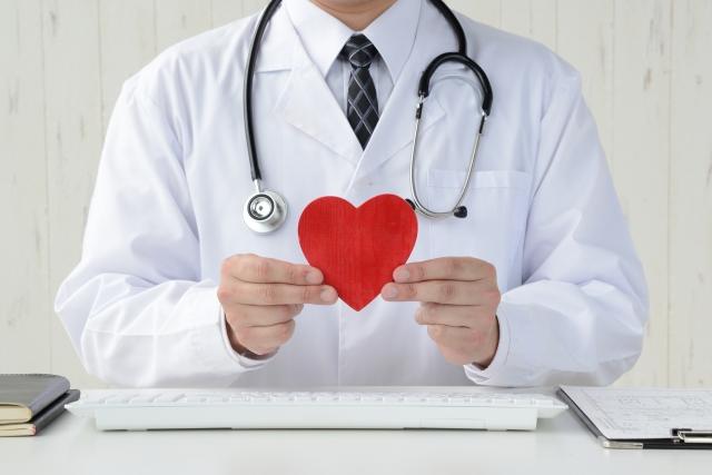 高齢者に多い心臓弁膜症の原因と治療法