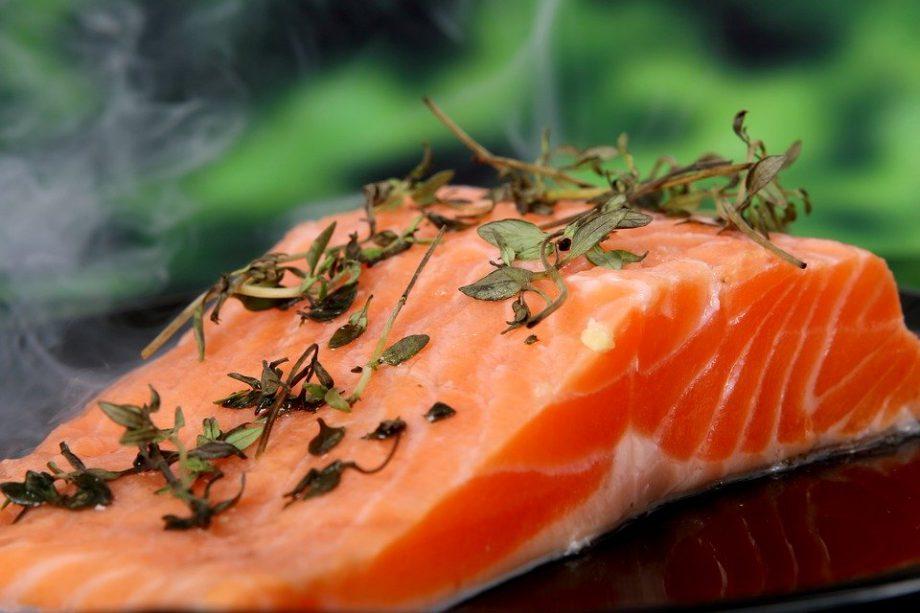 尿素窒素やタンパクのサインを見逃さずに下げる食事とは