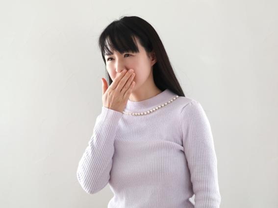 病気が潜んでいる可能性も!?口臭の原因と改善方法