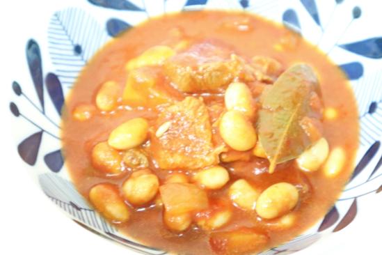 豚肉と大豆のトマト煮込み
