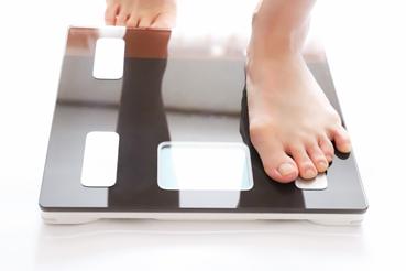 朝食抜き、夜遅い食事は太りやすくなる?