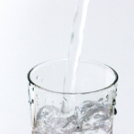 高齢者は特に注意!冬に起こる脱水症状の原因と対策