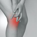 冬になると悪化する関節痛!原因と対策
