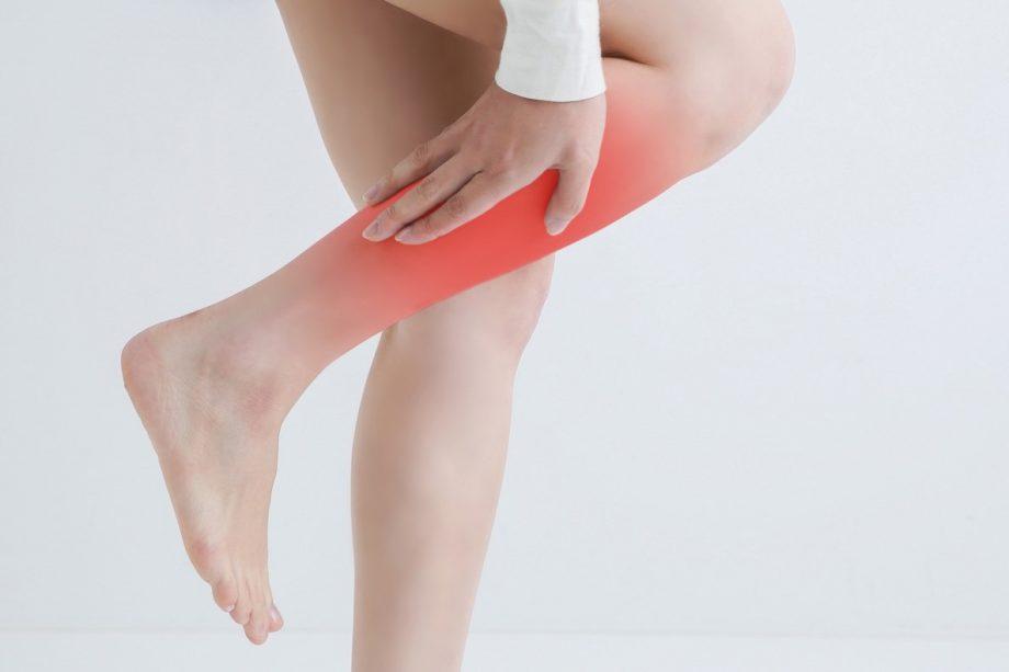 玄米や魚介類を食べて予防!足がつる原因と対策