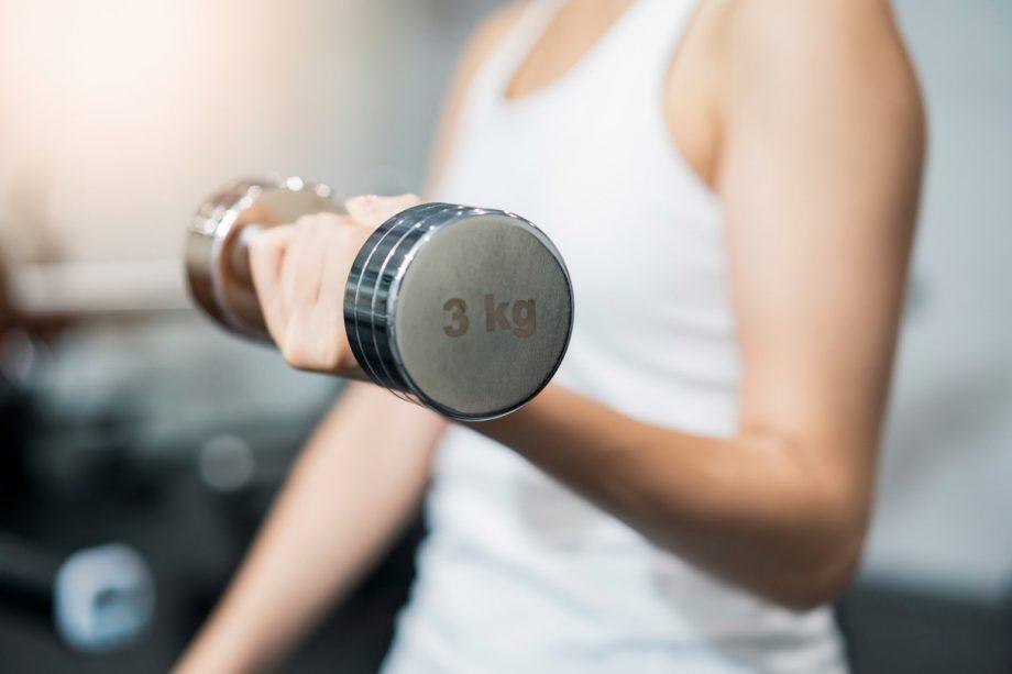 加齢とともに減少する!筋肉量の目安はどのくらい?